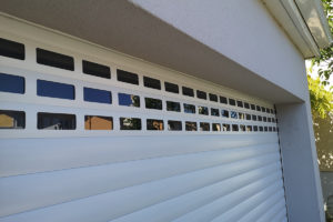 Porte de garage enroulable Logiréa